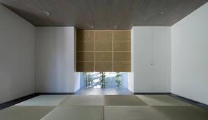 鎌倉 長谷の家: 松岡淳建築設計事務所が手掛けた和室です。