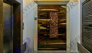 Ajay Bali:  Corridor & hallway by SP INTERIORS