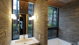 高瀬川の町家 雲・小波(ゲストハウス): 一級建築士事務所 (有)BOFアーキテクツが手掛けた浴室です。