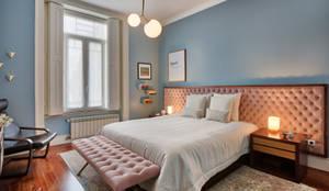Quarto casal - vivenda em S. Mamede - Projeto de interiores Shi Studio - Matosinhos, Porto: Quartos  por SHI Studio, Sheila Moura Azevedo Interior Design,