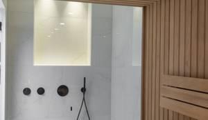 Cleopatra BV: Badkamer meubilair en decoratie in Zaandam | homify