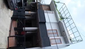 Rumah Mertilang :  Rumah by FIANO INTERIOR