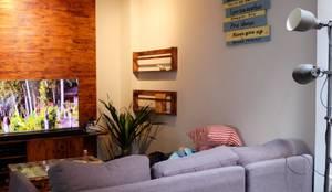 Tempat Bersantai :  Ruang Keluarga by FIANO INTERIOR