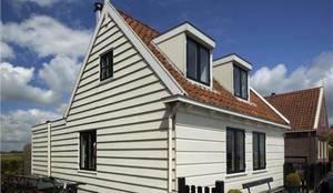 DUTCH DIKEHOUSE FACADE:  Huizen door Dineke Dijk Architecten