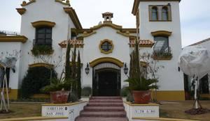 CASA COLONIAL ESPAÑOL: Casas unifamiliares de estilo  por Estudio Dillon Terzaghi Arquitectura - Pilar