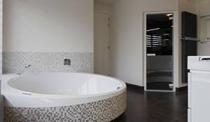 Luxe cleopatra whirlpools en stoomcabine in hotel 27 in amsterdam