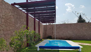 Albercas Querétaro 4: Albercas de estilo  por Albercas Querétaro FORTEC