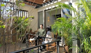 奥沢の家: HAN環境・建築設計事務所が手掛けたベランダです。