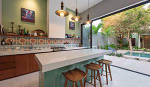 Cocinas integrales de estilo  por Workshop, diseño y construcción