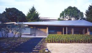 グランドピアノのある住まい:吉備の家: JWA,Jun Watanabe & Associatesが手掛けた家です。,モダン