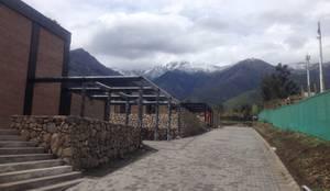 Vista zonas comunes: Casas de estilo industrial por MAC SPA