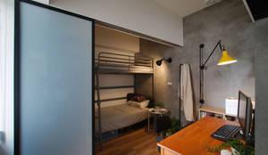 邁向建築:  臥室 by 御見設計企業有限公司