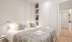 Dormitorio principal de la vivienda de Inés: Dormitorios de estilo moderno de Rez estudio