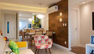 Sala de jantar com balcão passador: Salas de jantar modernas por Bernal Projetos