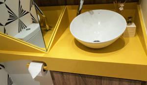 Banheiro - Residência Icaraí -Niteroi - RJ: Banheiros  por STUDIO CALI ARQUITETURA E DESIGN