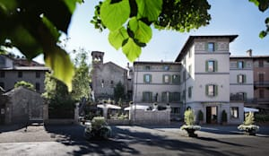 FRONTE SUD : Case in stile in stile Classico di Studio Architettura Macchi