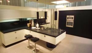 مطبخ تنفيذ AJ Atelier Architects
