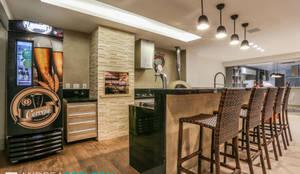 Espaço Gourmet em casa!: Terraços  por Andréa Spelzon Interiores