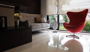 Ruang tamu: Ruang Keluarga oleh Exxo interior, Modern Kayu Wood effect