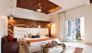 Divine Villa: modern Bedroom by VB Design Studio