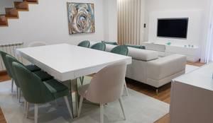 Moradia em Viana do Castelo: Salas de jantar modernas por Atelier Kátia Koelho