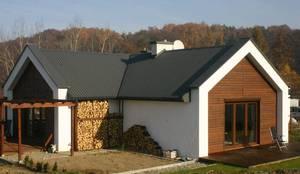 Construção em T: Casas unifamilares  por Isothermix Lda