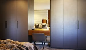 Dressing Table & BIC:  Dressing room by JSD Interiors,