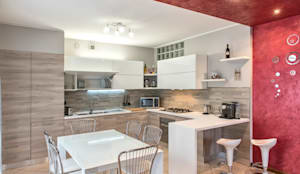 Cucina moderna: Cucina in stile in stile Moderno di Fab Arredamenti su Misura