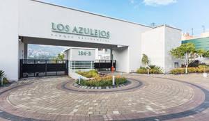 Parque Residencial Los Azulejos: Casas de estilo moderno por Bienes Raices Gaia