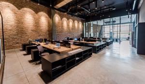 Grand Office  – Akrotes Mimarlık :  tarz Çalışma Odası,