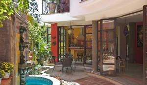 Casa Sebastian : Casas de estilo moderno por RGR Arquitectos + Urban Strategy