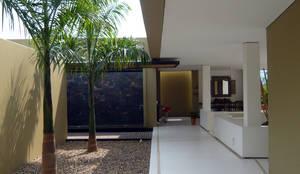 CASA MESA DE YEGUAS V-40: Casas campestres de estilo  por NOAH Proyectos SAS