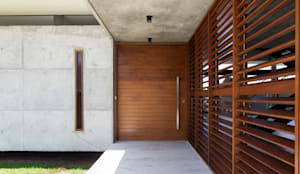 Puertas de estilo  por Martins Lucena Arquitetos