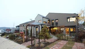 원주 반곡동 혁신도시주택: 주택설계전문 디자인그룹 홈스타일토토의  전원 주택
