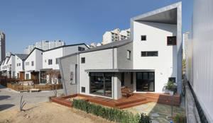 용인 동백주택 상상가득 외경: 주택설계전문 디자인그룹 홈스타일토토의  목조 주택