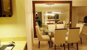 Sala comedor noche: Comedores de estilo  por DIS.OLIVER QUIJANO