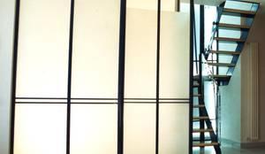 Ristrutturazione appartamento: Scale in stile  di Studio Galantini