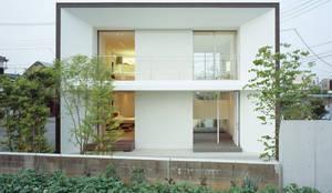 ファサード: 松岡淳建築設計事務所が手掛けた家です。