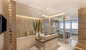 Sala de Espera: Clínicas  por BG arquitetura | Projetos Comerciais