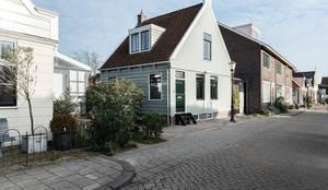 dijkhuis vanaf de dijk:  Huizen door Dineke Dijk Architecten
