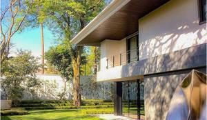 Casa Fresno (Jardín): Jardines de estilo  por Árbol Arquitectura