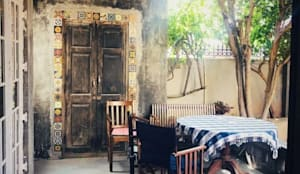 Rima and Devaiah's Residence :  Garden by Sandarbh Design Studio