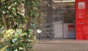 Frente do gabinete Projetarq: Escritórios  por PROJETARQ