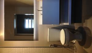 BANHEIRO MODERNO: Banheiros  por DALL' ANESE ARQUITETURA