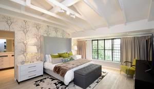 Home Renovation, Jukskei Park, Johannesburg:  Bedroom by CS DESIGN