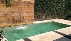 Jacuzzis: Bañeras de hidromasaje de estilo  por Corporación Siprisma S.A.C