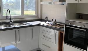 Diseño de Cocina, baños, loggia y closet en Osorno: Muebles de cocinas de estilo  por Quo Design - Diseño de muebles a medida - Puerto Montt