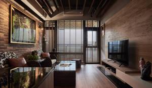 客廳全景:  客廳 by Hi+Design/Interior.Architecture. 寰邑空間設計,