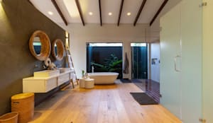 House Milne - Main Bathroom :  Bathroom by Hugo Hamity Architects