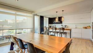 Mesa Diseñada por nuestro estudio.: Comedores de estilo  de Decorando tu espacio - interiorismo en Madrid., Escandinavo